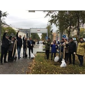 Волонтёры «Балтики» высадили деревья на аллее Красного проспекта в центре Новосибирска