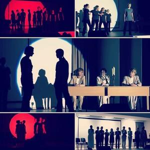 Cпектакль по пьесе ¬иктора 'ранкла Ђ—инхронизаци¤ в Ѕиркенвальдеї