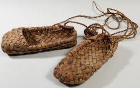 Когда появилась обувь?