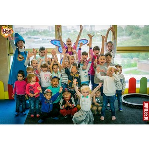Веселые развивающие игры в детском клубе «Ура» в ТРЦ «Аура»