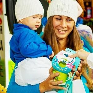 На старт, внимание, марш! «Бытпласт» поддержал малышей и мам на конкурсе «Ходунки наперегонки»