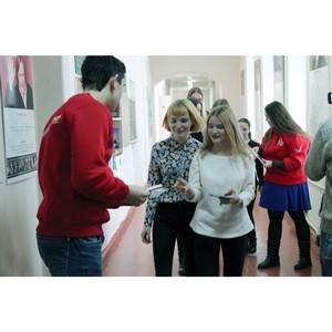 Команда «Молодежки ОНФ» вручила студентам Мордовии 1000 открыток