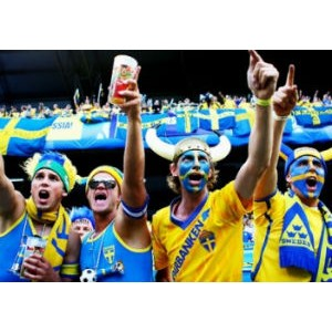 Первые фаны уже прибыли в Украину на Евро-2012