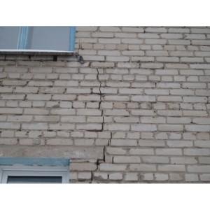 Тюменские активисты ОНФ добиваются срочного расселения жильцов дома с трещинами