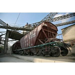 –остовский филиал ѕ√ на треть увеличил объем перевозок цементовозами