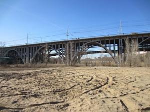 БЛ Групп освещает Астраханский мост в Волгограде