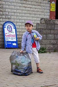Жительница Кстово организовала соседей на сдачу пластика