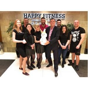 Happy Fitness помогает людям быть здоровыми