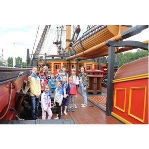 Воронежские активисты ОНФ организовали для детей экскурсию на корабль-музей «Гото Предестинация»