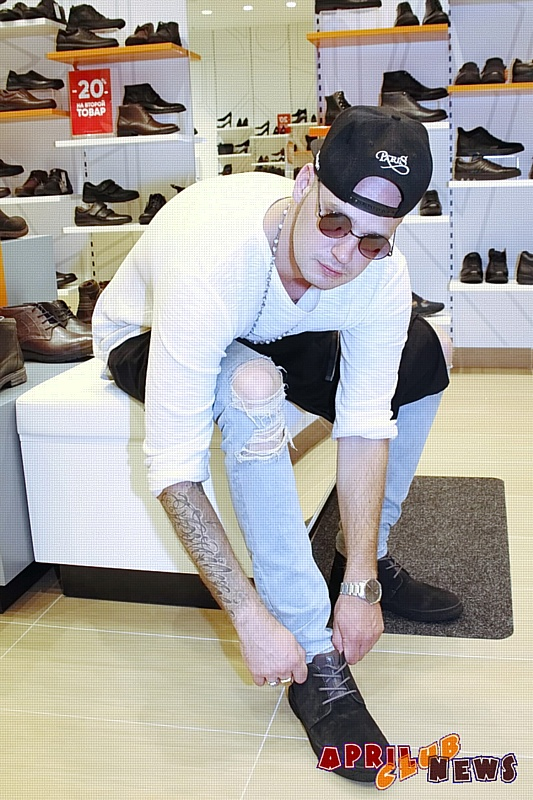 Шопинг со звездой: NJohn в обувном салоне Thomas Münz