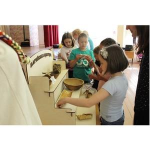 В Ленинградской области дети изучают древнюю марийскую письменность