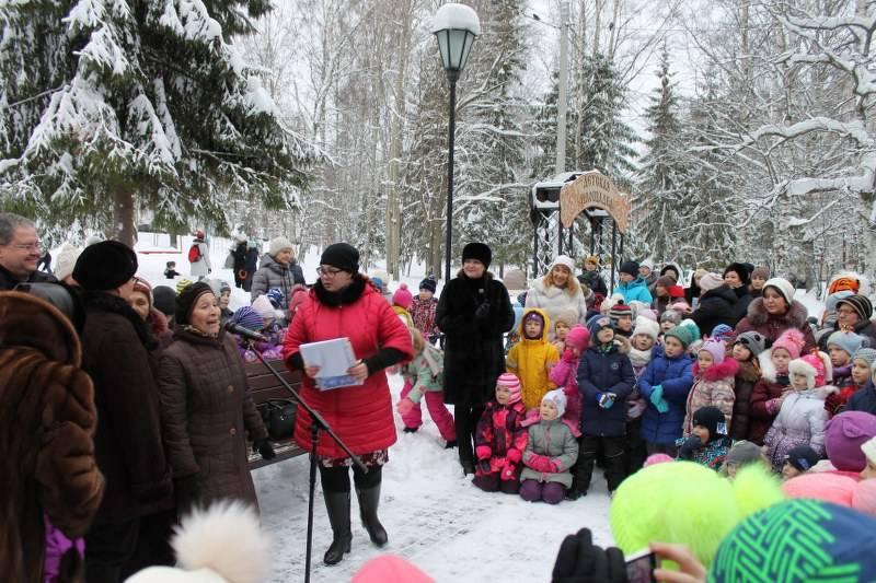 Активисты ОНФ приняли участие в открытии благоустроенной детской площадки в парке Сыктывкара