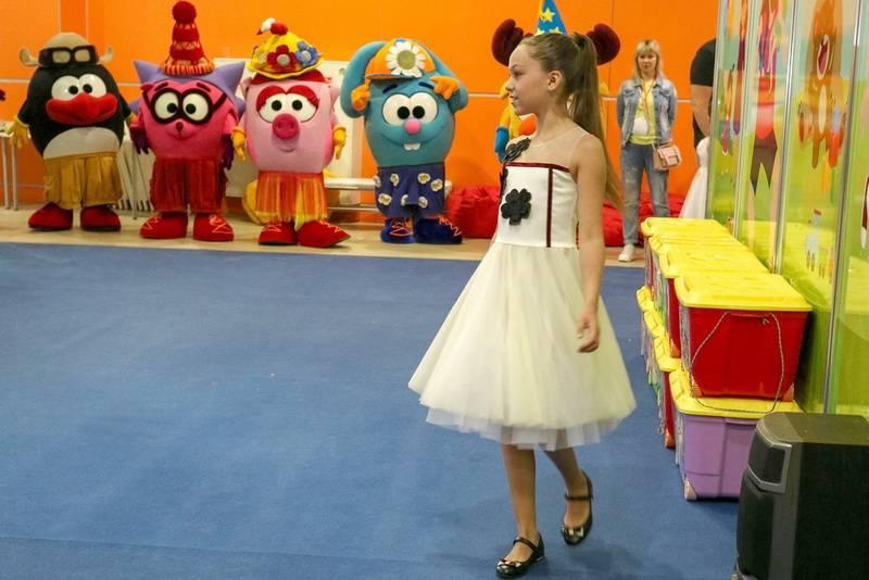 На ВДНХ прошел показ детской моды