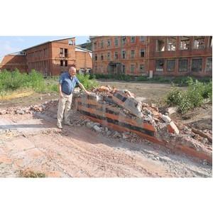 Воронежские активисты ОНФ обеспокоены сносом памятника рабочим экскаваторного завода