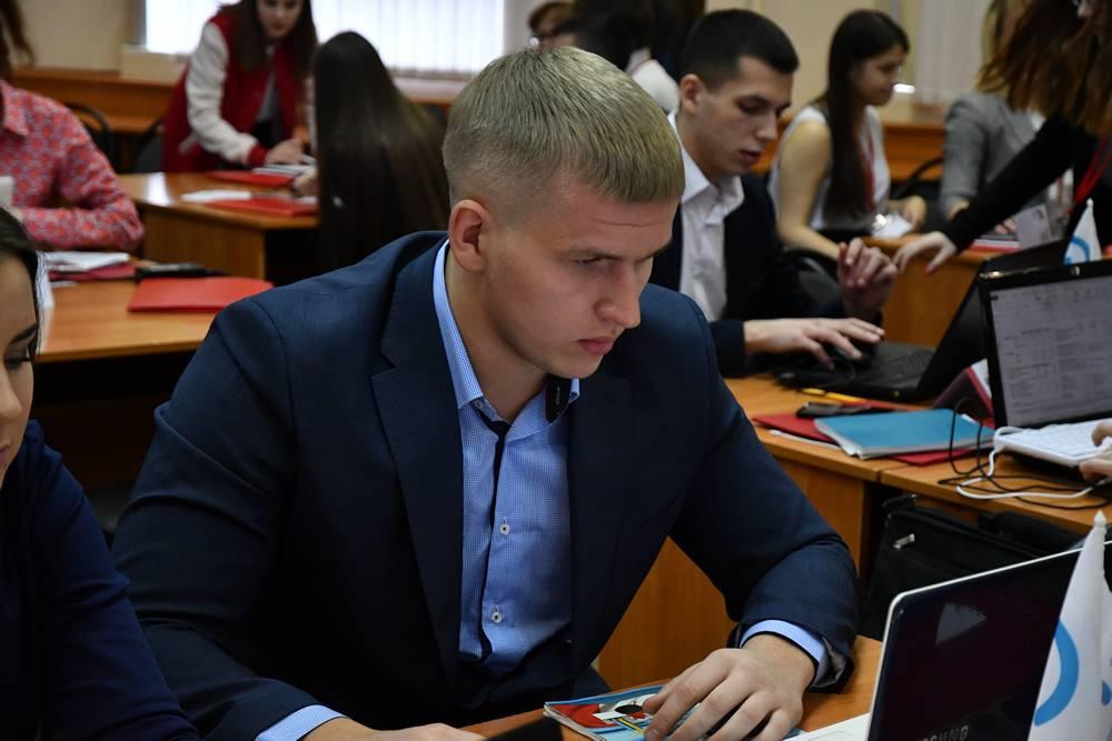 Студенты Дзержинского филиала РАНХиГС приняли участие в полуфинале Кубка по менеджменту «Управляй!»