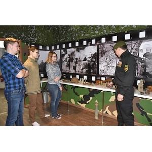ОНФ в Югре провел уроки Мужества в канун Дня Героев Отечества в России