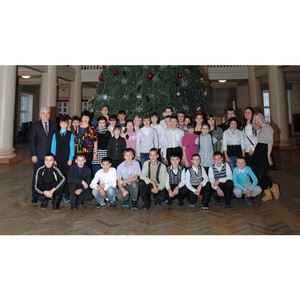 В университете завершилась акция «Елка желаний в Уральском федеральном»