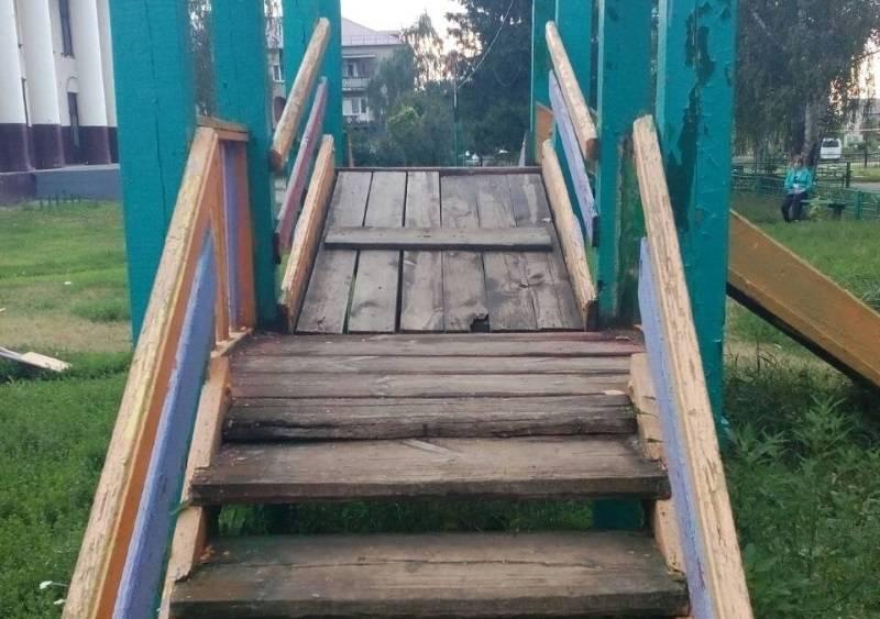 «Молодежка ОНФ» в Мордовии проверила безопасность детских площадок в двух районах