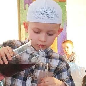 При поддержке БФ «Сафмар» М.Гуцериева издана мусульманская иллюстрированная энциклопедия для детей
