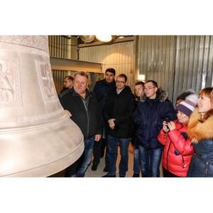 Литейщики побывали на заводе по литью колоколов