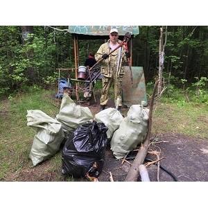 ОНФ в Югре проводит субботники на территории природного парка «Самаровский чугас»