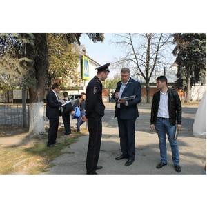 Активисты ОНФ в КБР проверили безопасность дорожной инфраструктуры возле школ Нальчика