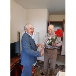 Сотрудники ПАО «ТНС энерго Кубань» поздравили ветеранов войны и тружеников тыла с Днем Победы.
