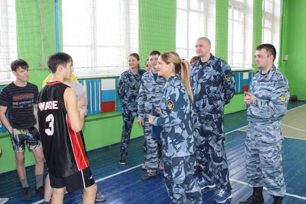 Сотрудники уголовно-исполнительной инспекции Кузбасса приняли участие в акции «Твори добро»