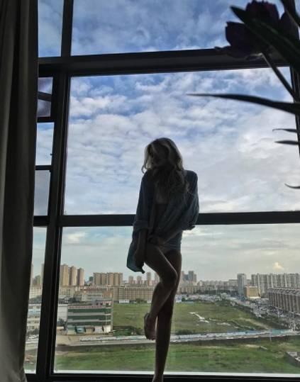 Модель и телеведущая Наталья Майорова желает всем в Новом году осознанности