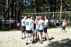 Холдинг «Партнер» вручил «Кубок дружбы» Холдинговой Группе «АРСИБ»