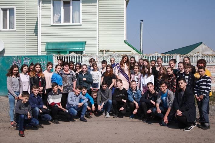 Алина Палий и Лилия Галушко стали гостями благотворительной экскурсии для детей на Банановую ферму