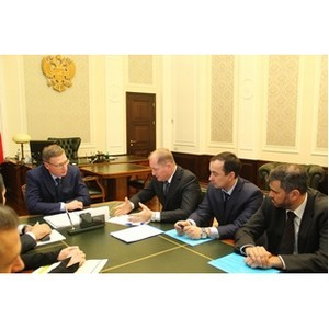 Развитие энергетики Омской области обсудили руководители региона и «МРСК Сибири»