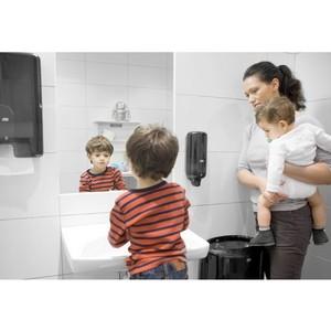 35% детей в России отказываются от посещения туалетных комнат в школах