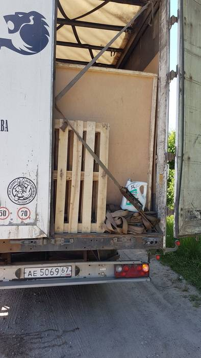 Два большегруза с яблоками задержали  смоленские таможенники