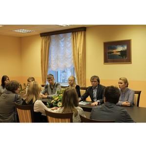 ОНФ организовал для старшеклассников Финно-угорской школы экскурсию в парламент республики