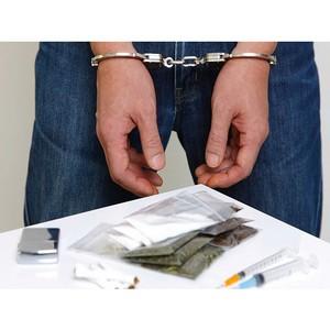Полицейскими Зеленограда задержаны двое мужчин, подозреваемых в хранении наркотиков
