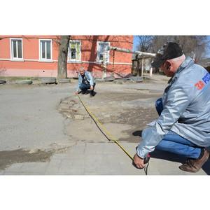 Активисты Народного фронта провели рейд по «убитым» дорогам Дзержинского района Волгограда