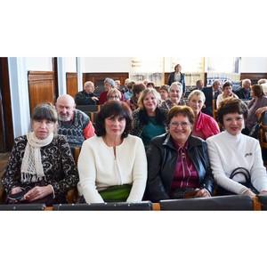 Сотрудники Костромаэнерго поздравили ветеранов с днем пожилого человека