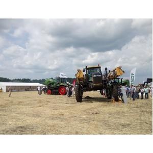 Аграрии Курской области познакомились с программами «Балтийского лизинга» в рамках «Дня поля»