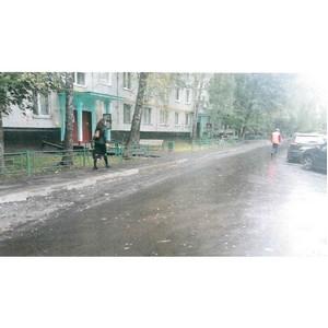 јктивисты московского ќЌ' добились завершени¤ реконструкции тротуаров в Ѕирюлево