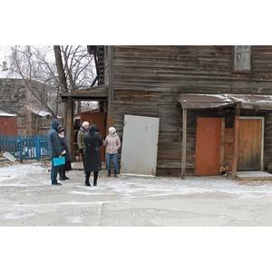 Томские активисты ОНФ взяли на контроль 3 аварийных дома, где в непригодных условиях проживают люди