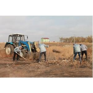 Волгоградские активисты ОНФ собрали мусор на земельных участках, выделенных многодетным семьям