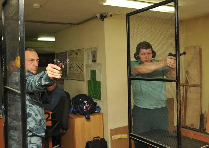 Смоленские таможенники определили сильнейших в стрельбе