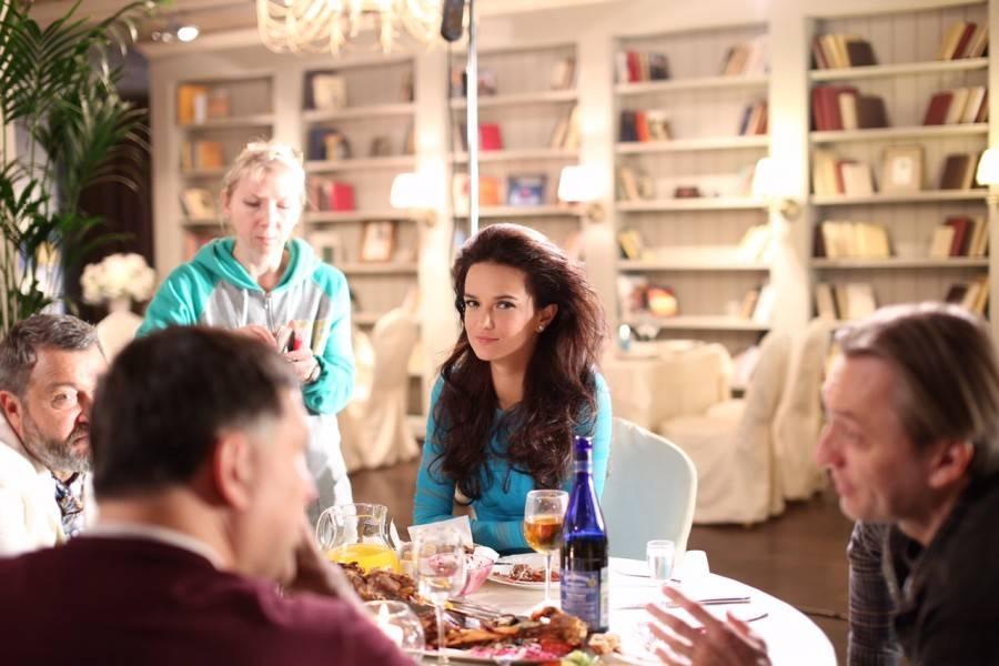 Российская актриса Аделина Шарипова в голландском FHM
