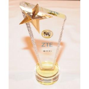 ZTE получила четыре награды от IDG на выставке CES 2016