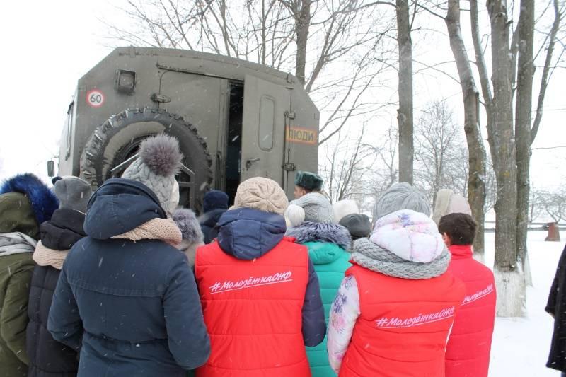 Команда «Молодежка ОНФ» в Мордовии приняла участие во всероссийской акции «В армию на денек»