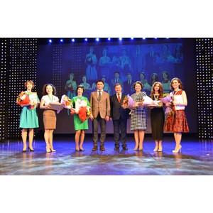 Банк «Открытие» поздравил лучших педагогов Новосибирска