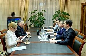 Москва и Венгрия выступают за активизацию двусторонних связей