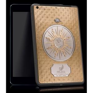 Итальянские ювелиры создали iPad mini из золота