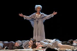 Театральные субботы с Юлией Пересильд и «Галчонком»!